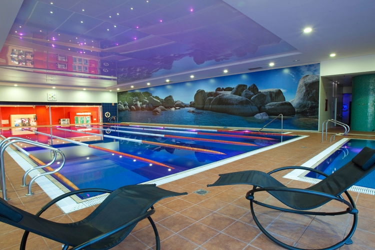 Galer a de fotos gimnasio virgin active alcorc n tres aguas for Gimnasio piscina madrid