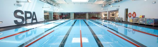 Gimnasio con piscina hd 1080p 4k foto for Gimnasio piscina madrid