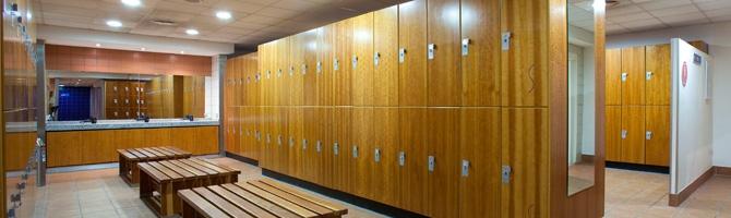 Vestuarios del gimnasio de paterna virgin active for Gimnasio heron city