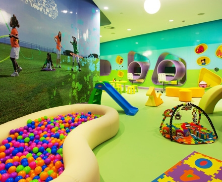 Gimnasios virgin active actividades infantiles en el club v for Piscinas para ninos pequenos